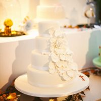 Wedding cake all white